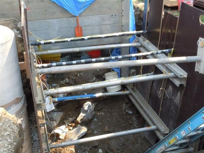 Hydraulic Shoring Jacks : Hydraulic shoring aluminum jacks for sale or