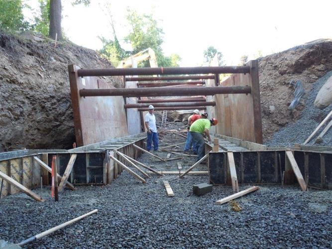 Steel Trench Box : Steel trench box boxes for sale or rental
